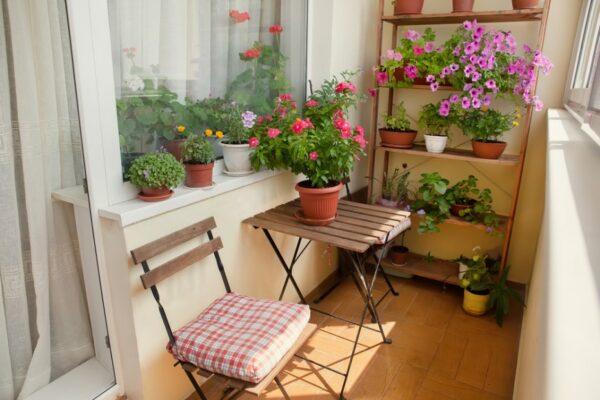 9 Tips for a Beautiful Balcony Garden