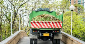 Experts present solutions for garbage 'mountains' in Delhi