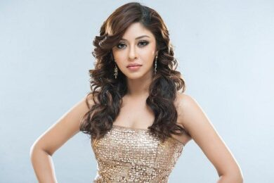 How do your favourite celebs decorate their homes for Dusssehra Payal Ghosh