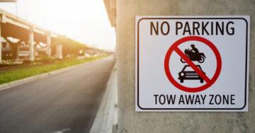 Declare roads adjacent to parking sites as no-parking zones: Delhi L-G