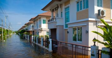 Kerala to seek Rs 15,900-crore loan from WB, ADB, for post-flood reconstruction