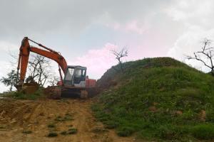 RTI activist alleges hill-grabbing near Powai, Mumbai
