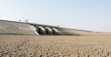 Gujarat CM stresses on reducing dependency on Narmada water