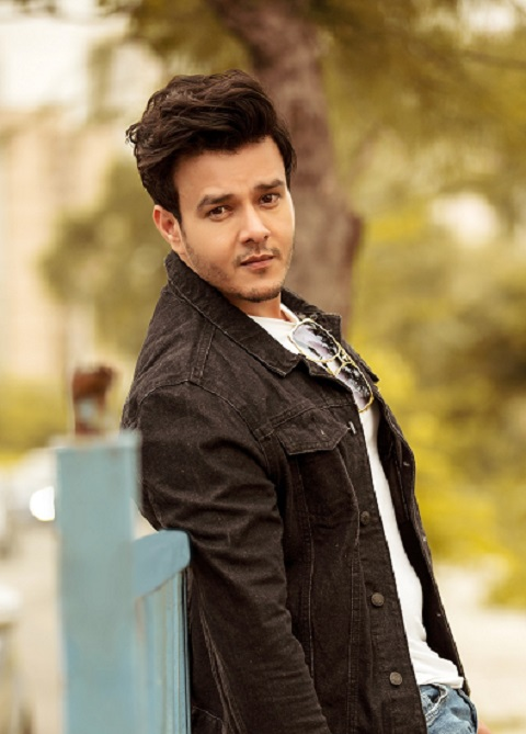 How are celebs staying fit during the lockdown Aniruddh Dave