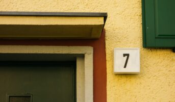 House number numerology: Significance of house number 7