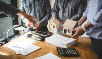 Difference between HFC and bank: Which lender should you opt for?