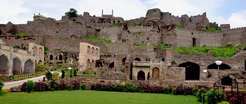 Who made Golconda fort