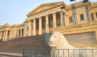 Hazarduari Palace's construction may have cost 16.50 lakh gold coins