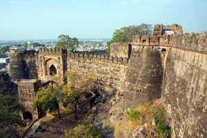 Jhansi Fort: The legendary fort of Rani Lakshmi Bai spans 15 acres