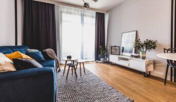 Vinyl flooring vs laminate flooring: Which is a better option?