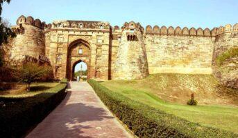 Jaunpur Fort: All about the Shahi Qila or Royal Fort in Uttar Pradesh